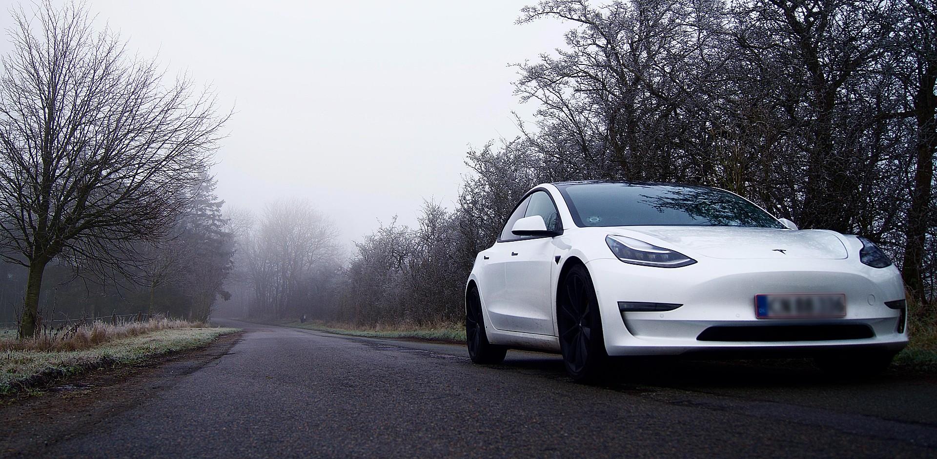 Tesla Model 3 обгоняет Renault Zoe как самый продаваемый электромобиль во Франции