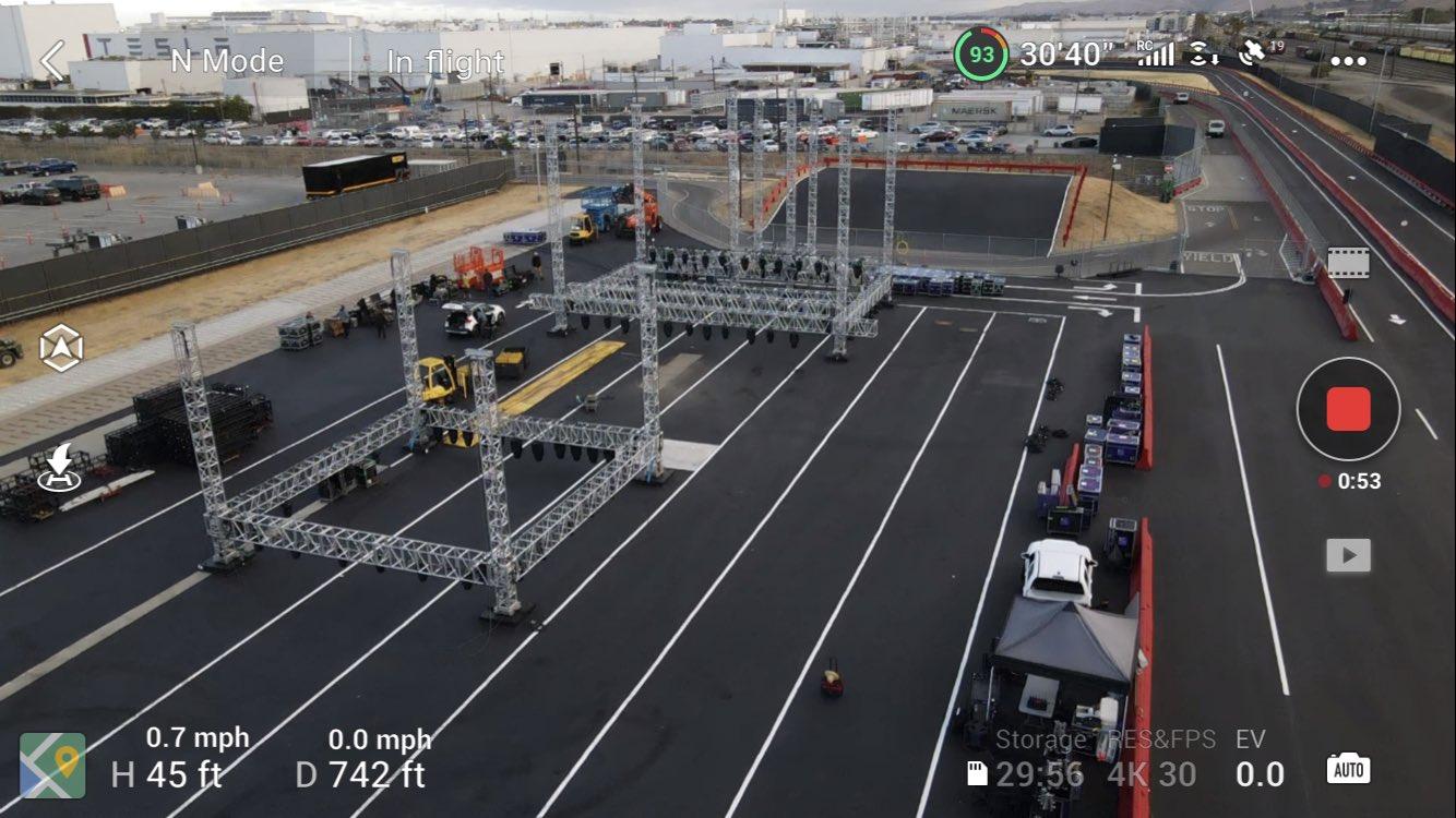 Tesla начинает подготовку к захватывающей доставке Model S Plaid