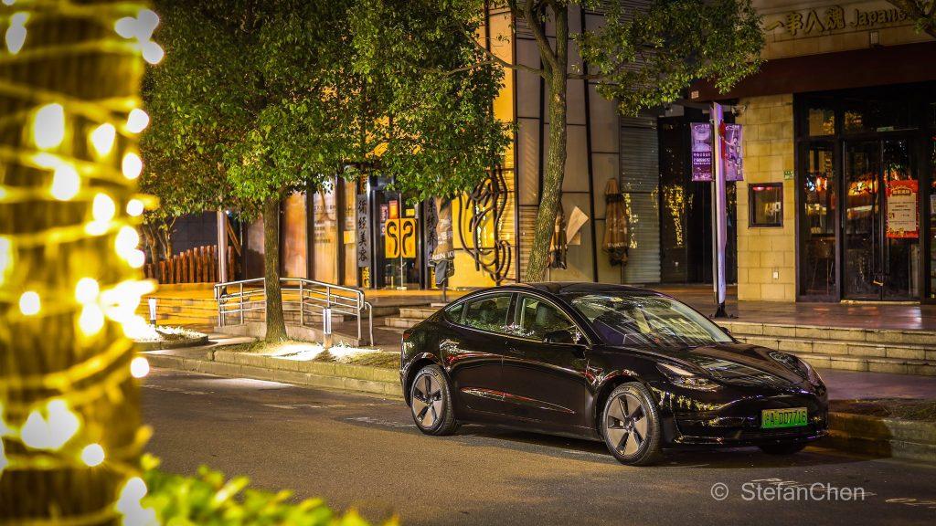 Tesla (TSLA) продолжает набирать обороты, игнорируя «отзывные» новости из Китая.