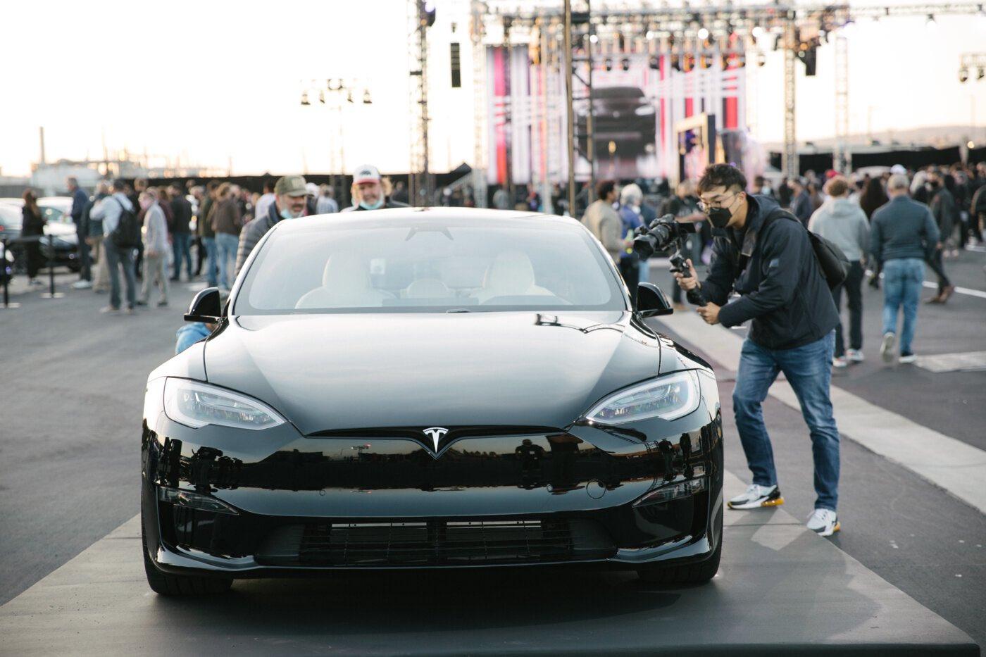 Самое шокирующее обновление Tesla Model S Plaid скрыто у всех на виду