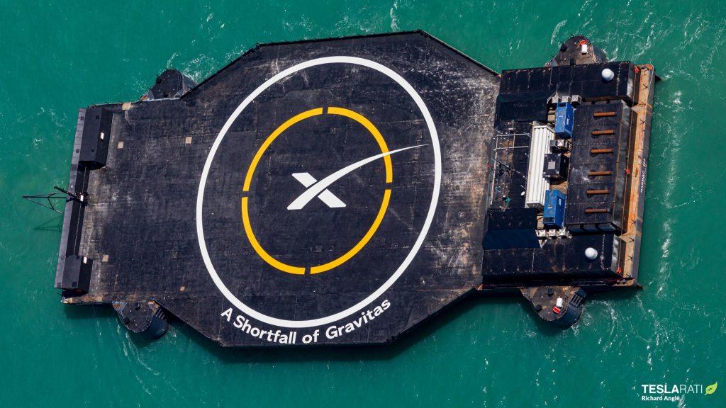 """Первый дрон SpaceX """"версии 3"""" прибывает в порт Канаверал"""