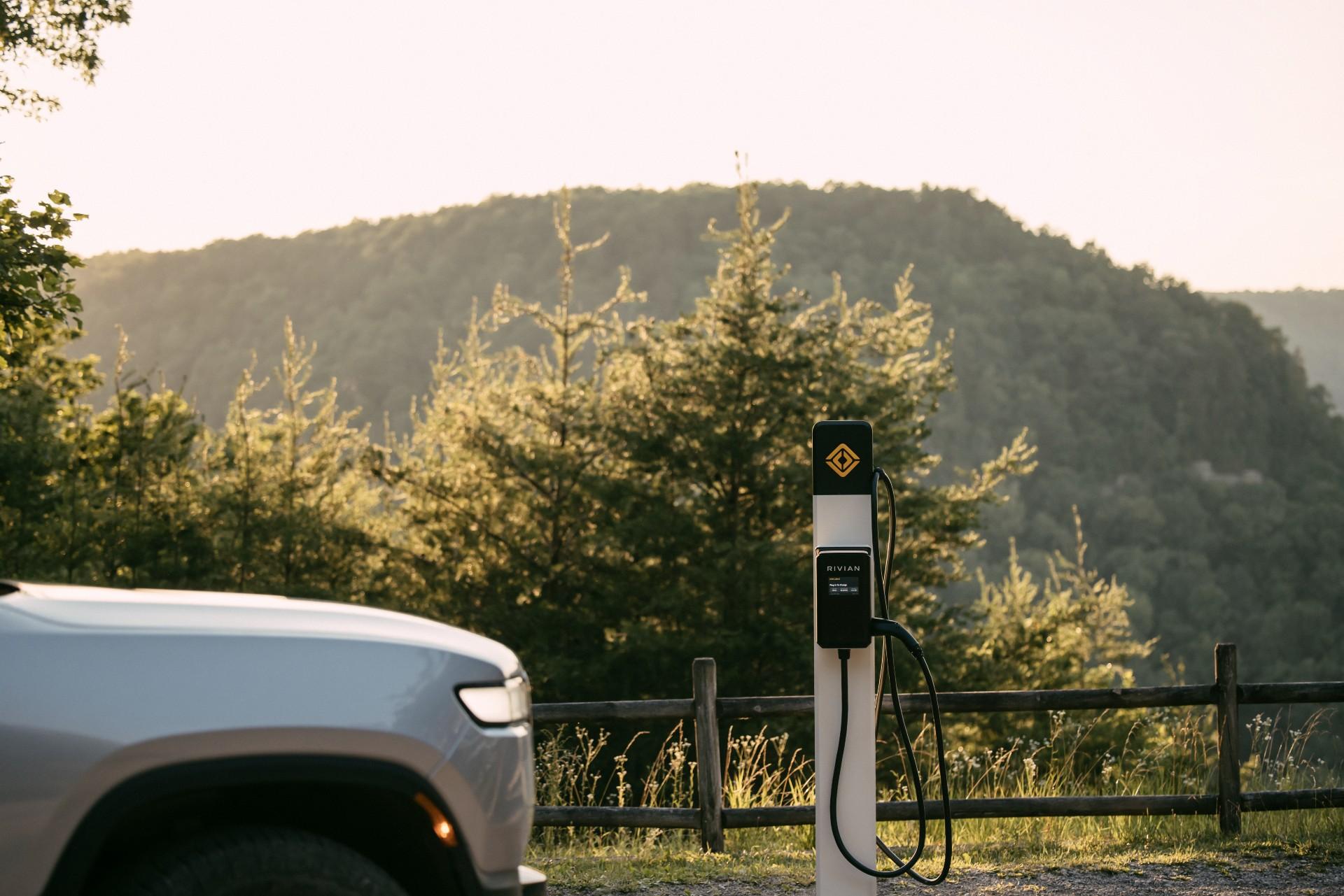 Rivian сотрудничает с парками штата Теннесси в создании зарядных станций для электромобилей