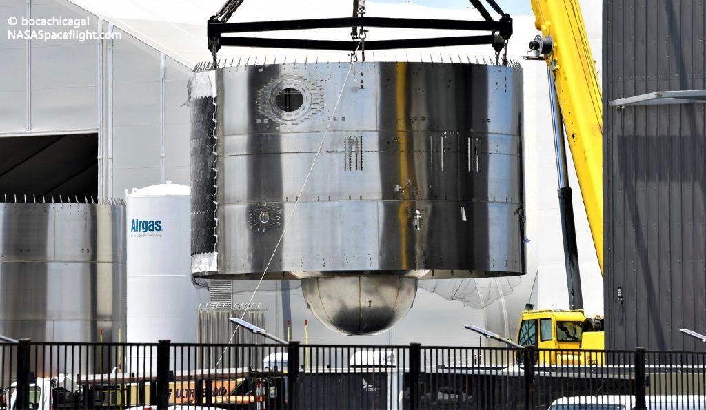 SpaceX начинает сборку первого орбитального звездолета и сверхтяжелого ускорителя