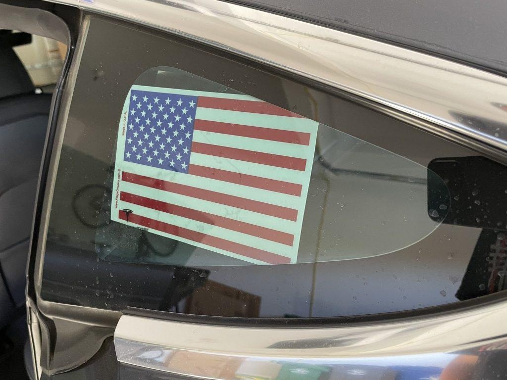 Tesla, Ford, GM и реклама электромобилей «Сделано в Америке», которая правильно передает сообщение о неправильном автомобиле.