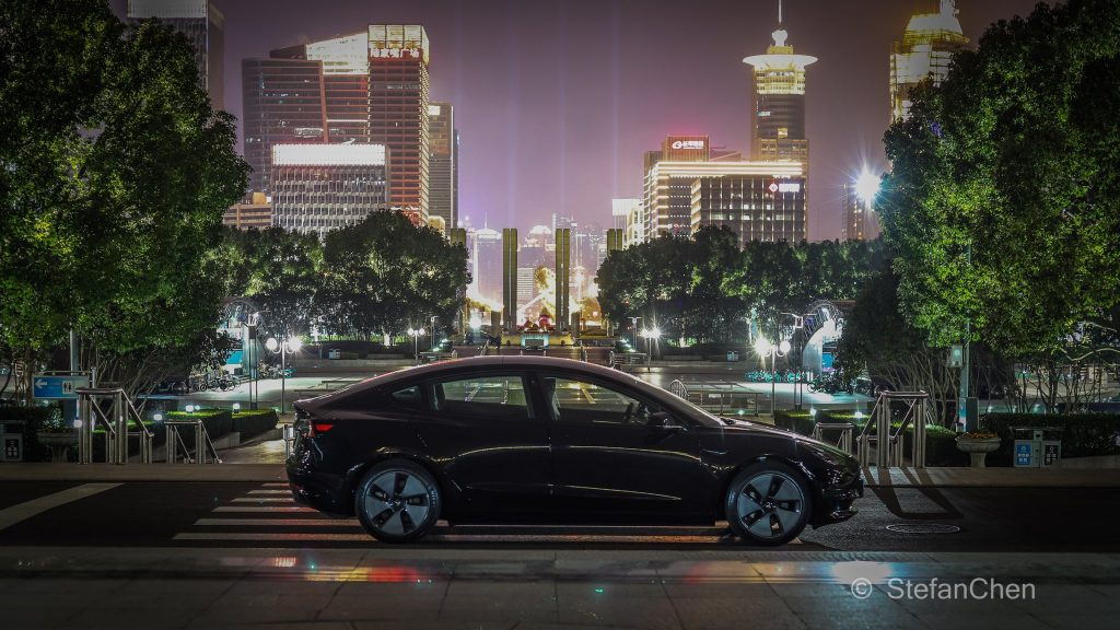 Tesla и местные производители электромобилей затмевают старые автомобили в сегменте электромобилей Китая