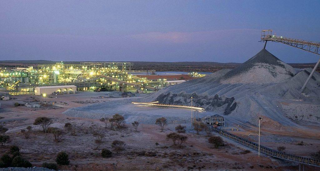 Tesla подписала договор на поставку никеля с австралийской горнодобывающей компанией